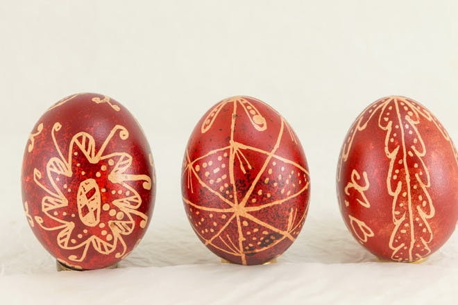 wax effect on painted eggs