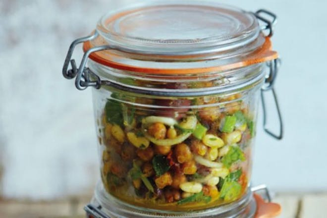 Chickpea salad jars