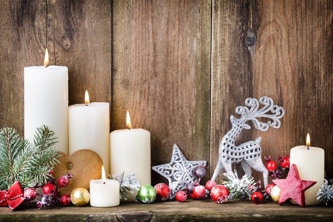 christmas candles burning