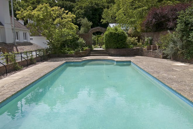 The Lindens pool