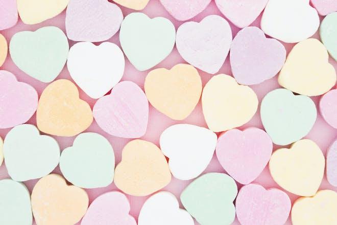 Pastel love hearts