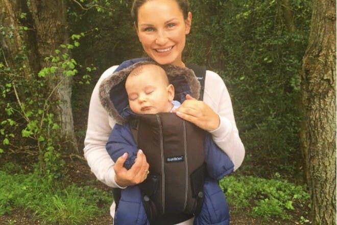 sam faiers son baby carrier