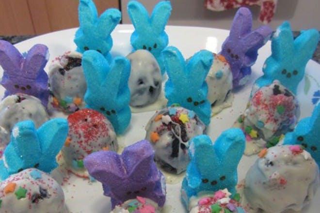 Peeking Easter decorations