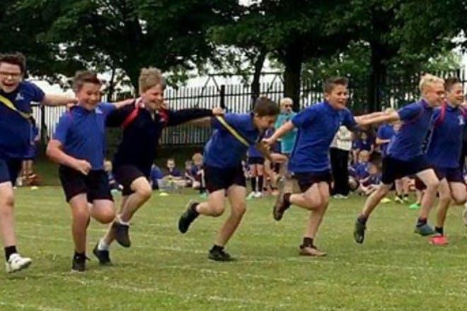 boys in race