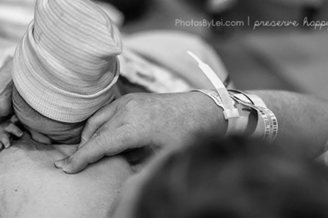 baby breast crawl