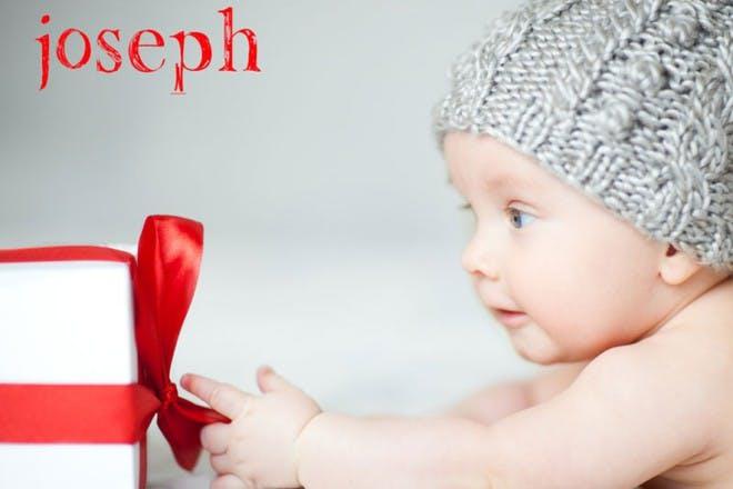 baby grabbing gift