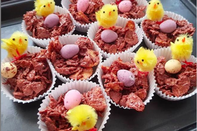 8. Fluffy chick cakes