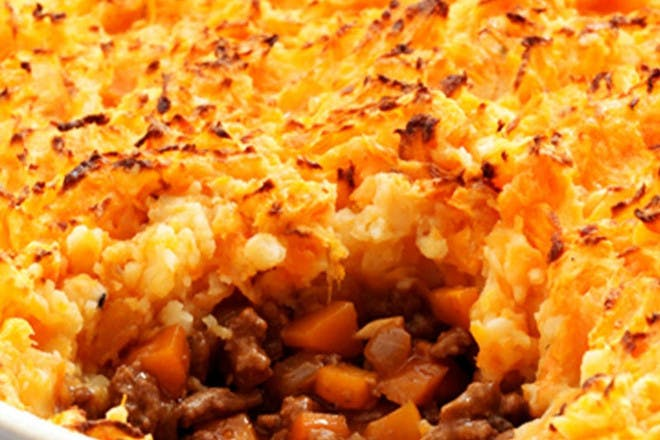 Cottage pie with carrot and potato mash