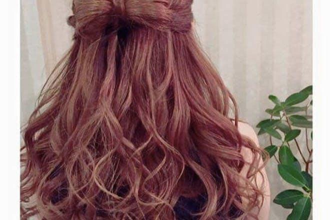 21. Hair bow