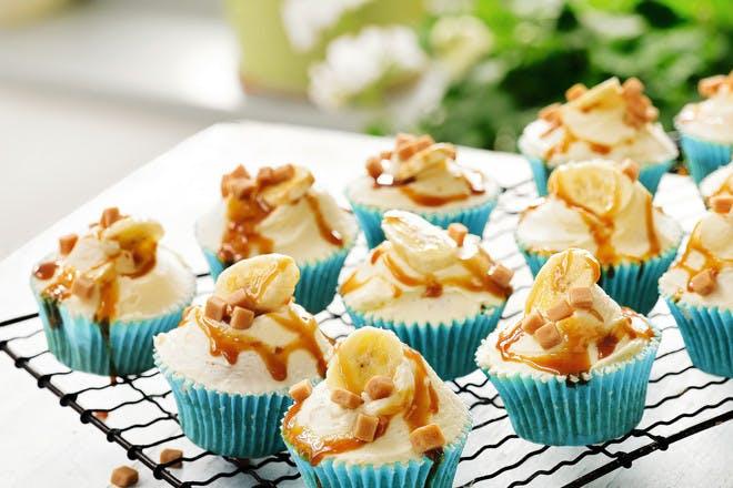 Banoffee cupcakes recipe.  Cupcake decorating idea