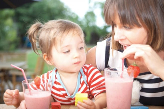 28. Kids strawberry smoothie - Raw Chi