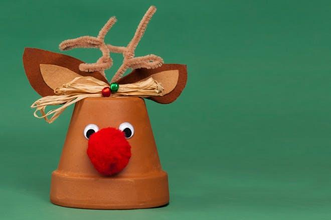 18. Flower pot reindeer