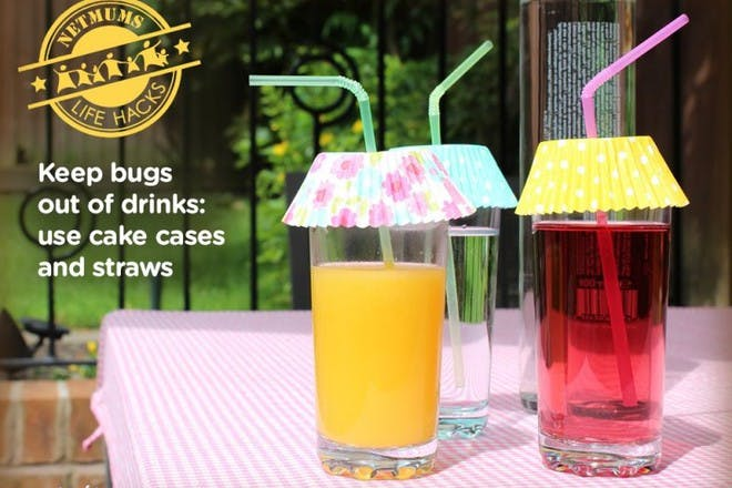 fruit drinks with cake cases