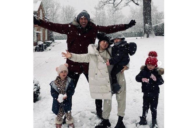 Peter crouch snow