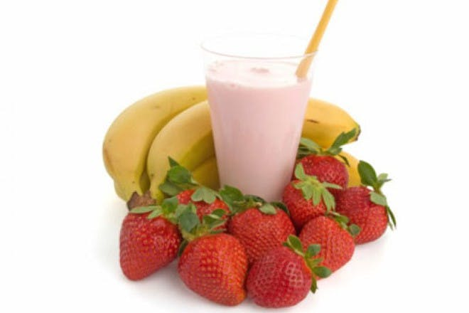 smoothie with bananas and strawberries