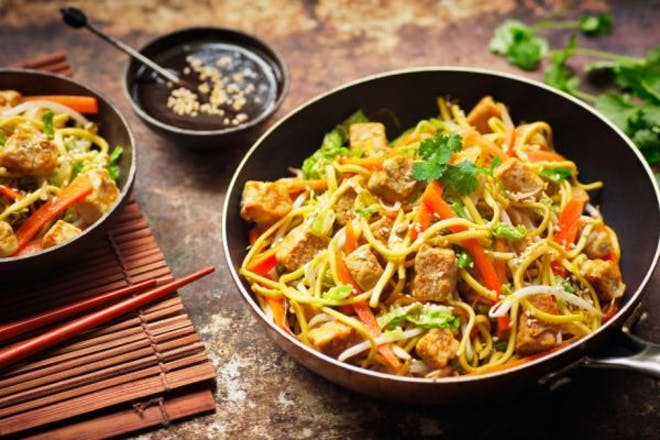 Quorn chow mein