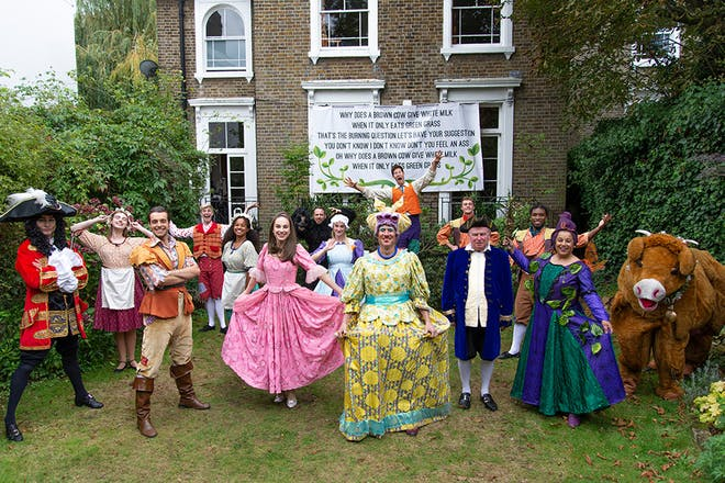 Peter Duncan and the rest of the cast of Jack and the Beanstalk by Panto Online