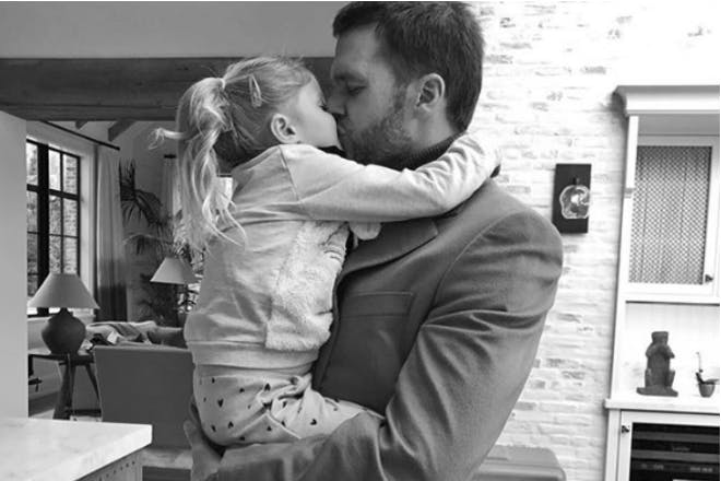 Tom Brady kiss daughter