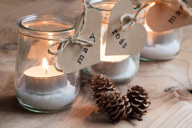 13 homemade Christmas table decorations