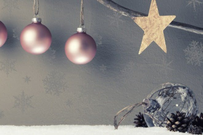 25 Great Family Christmas Traditions