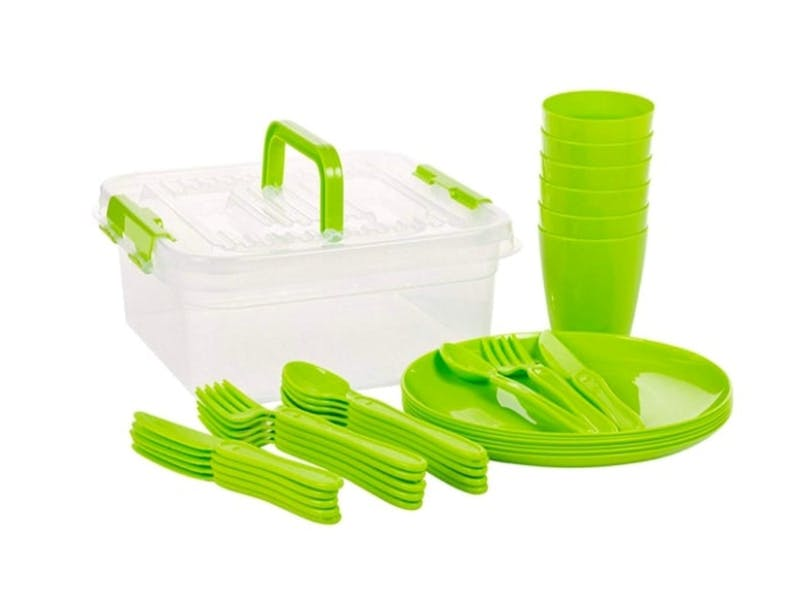 14. 30 Piece Plastic Picnic Tableware Set, £7.99