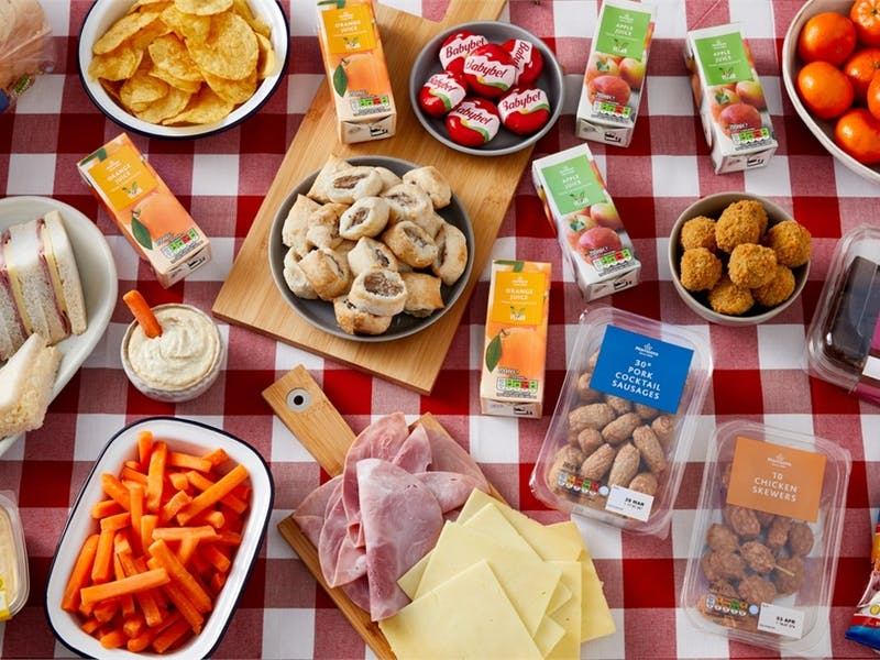family picnic box