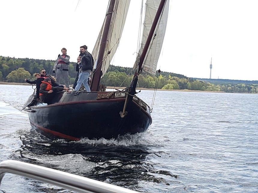 Talents auf dem Segelschiff