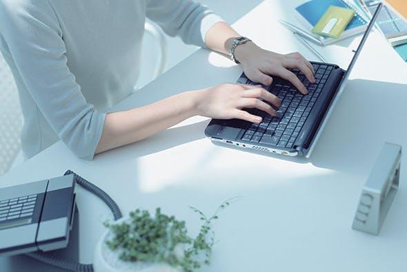 Avec Home and Office, votre vision de prés et intermédiaire (écran) sont très accessibles