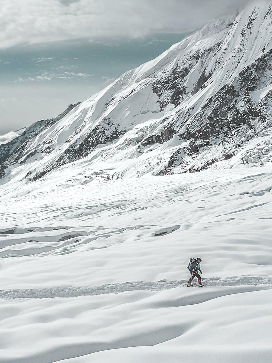 Nims crosses a snowy plateau