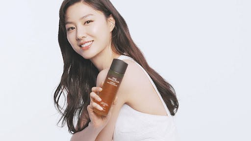Missha is a korean skincare brand known for its BB cream and Glitter Prism Eyeshadow