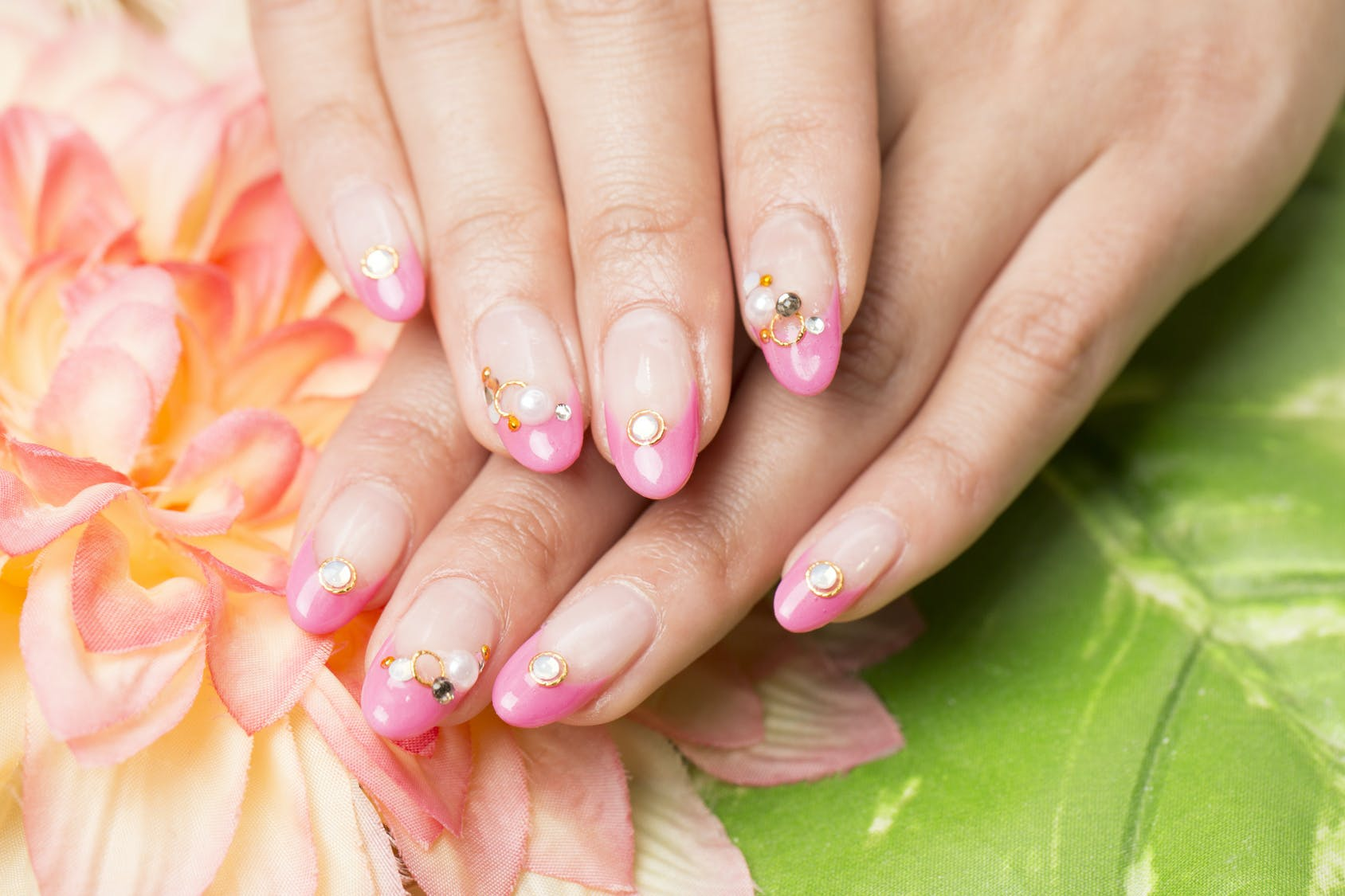 68ab213998dad7df5a134ba94338ee030d71a196 nail art
