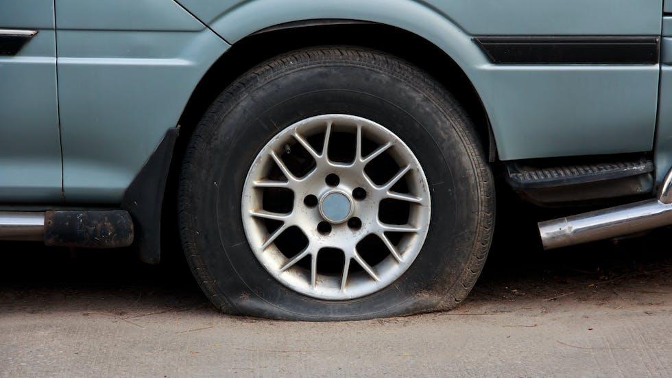 Una rueda reventada