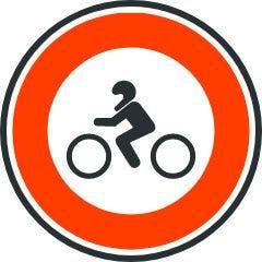 Entrada prohibida a motocicletas.