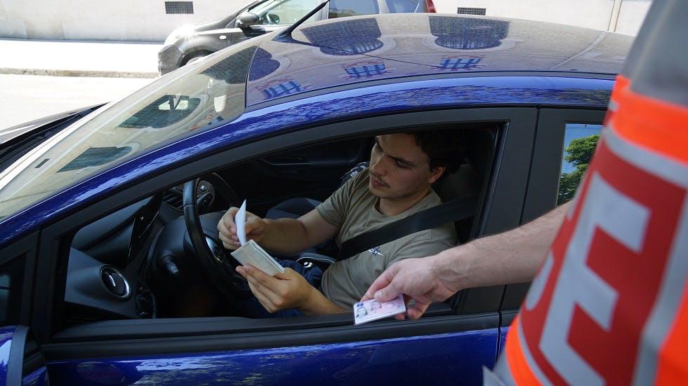 Carnet de conducir provisional.