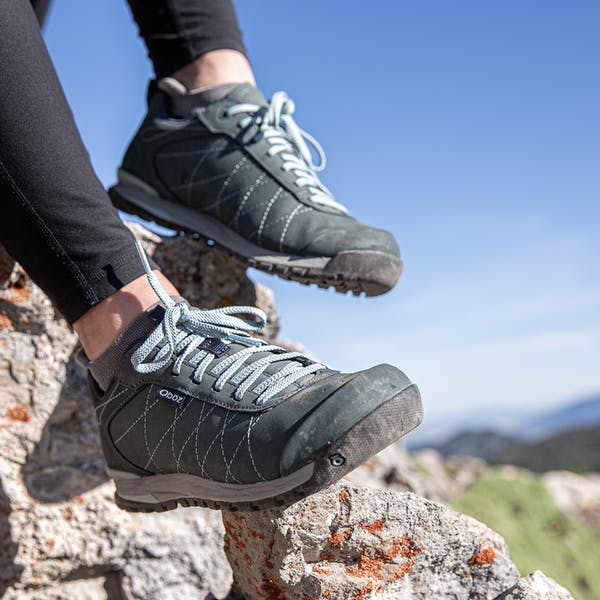 Hiking in the Bozeman Low Leather shoes