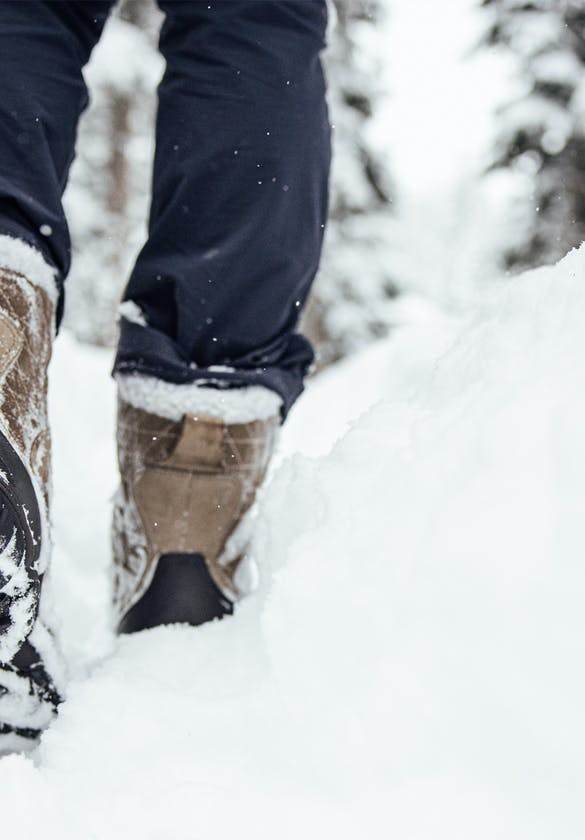Oboz Bridger Insulated footwear hiking through the snow