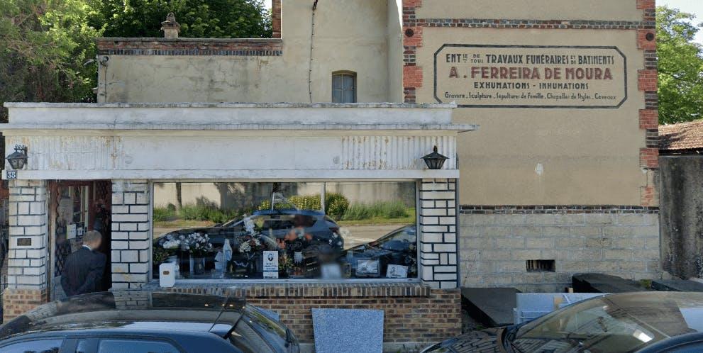 Photographie de la Pompes Funèbres Ferreira de Moura à Saint-Julien-les-Villas