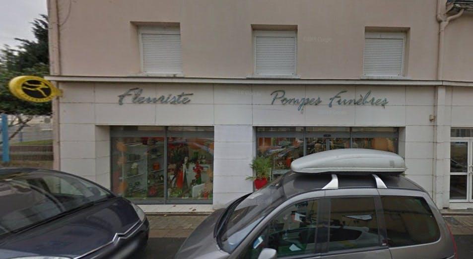 Photographies des Pompes Funèbres Eric Touchard à Savigné-l'Évêque