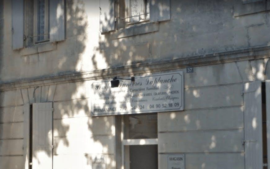 Photographie Pompes Funèbres LAPLANCHE de Saint-Rémy-de-Provence