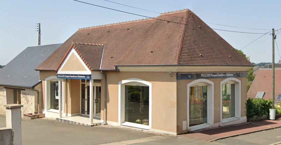 Photographies des Pompes Funèbres et Marbrerie Pellodi à La Ferté-Bernard