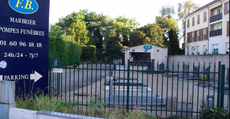 Photographie FB Marbrier Pompes Funèbres Montereau-Fault-Yonne