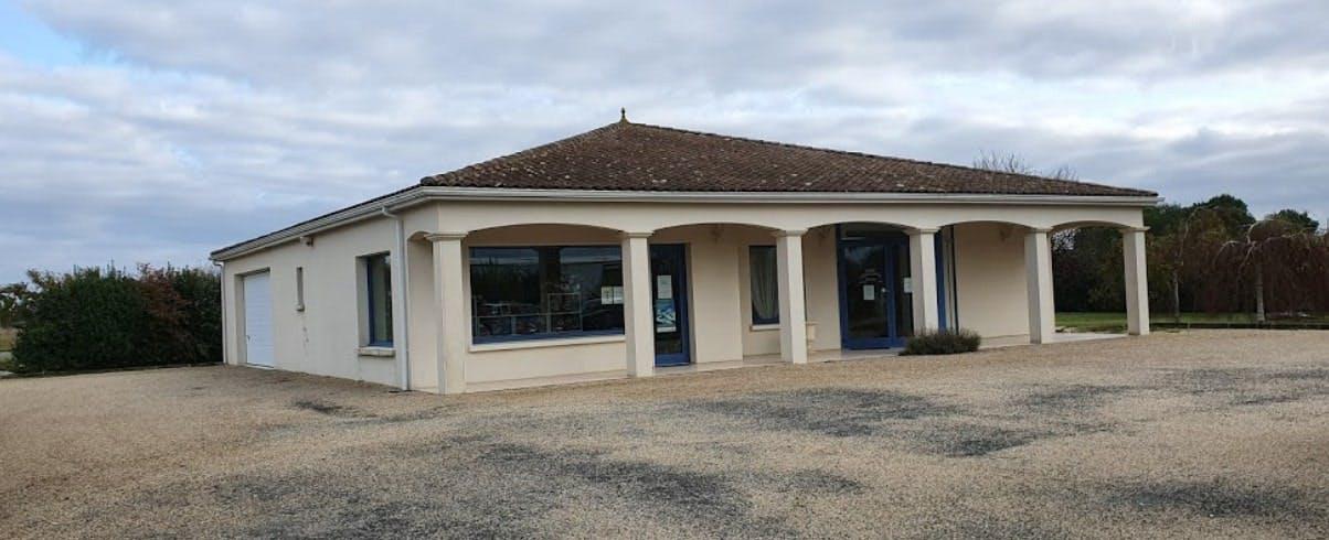 Photographies des Pompes Funèbres Renaud-Belot à Saint-Romain-de-Benet
