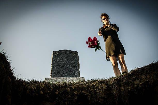 Qui peut acheter une concession dans un cimetière ?
