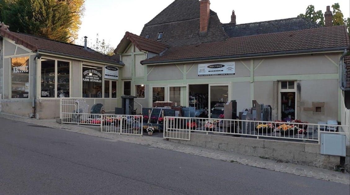 Photographies de la Marbrerie Funéraire Dominique Nectoux à Autun