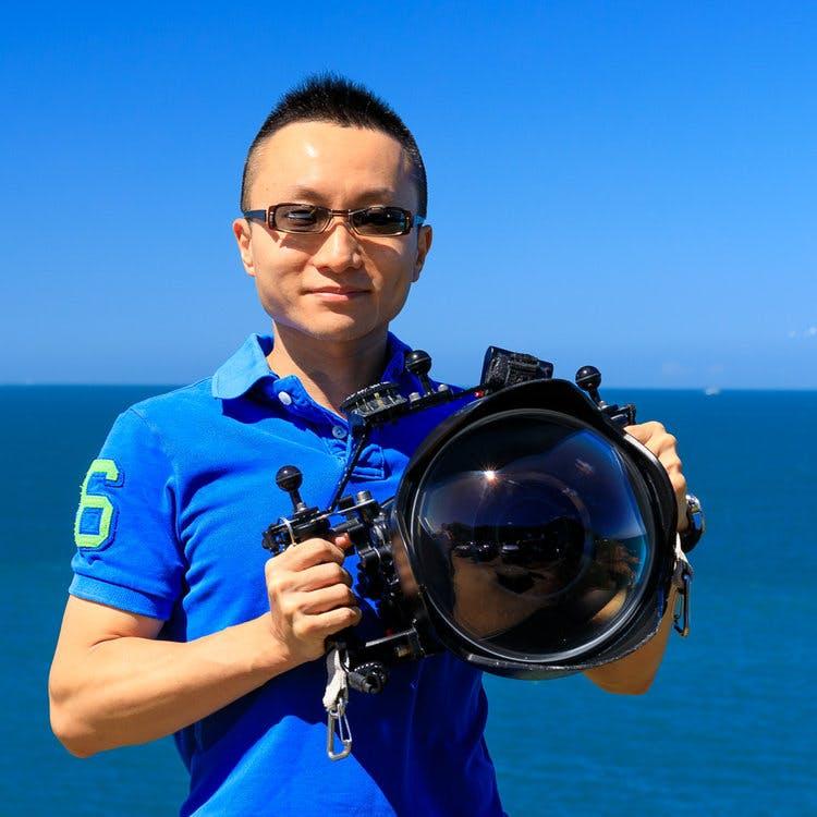 https://images.prismic.io/ocean-agency-cms/8ace20e3-6b61-4401-976d-fa1d04e3d8b5_Yen-Yi%2BLee.jpeg?auto=compress,format