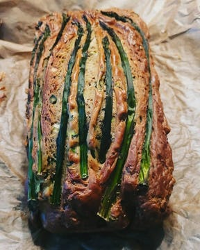 An asparagus loaf made by @make_most_of_life on Instagram.