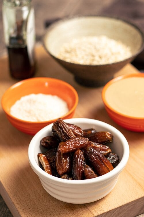 A bowl of dates.