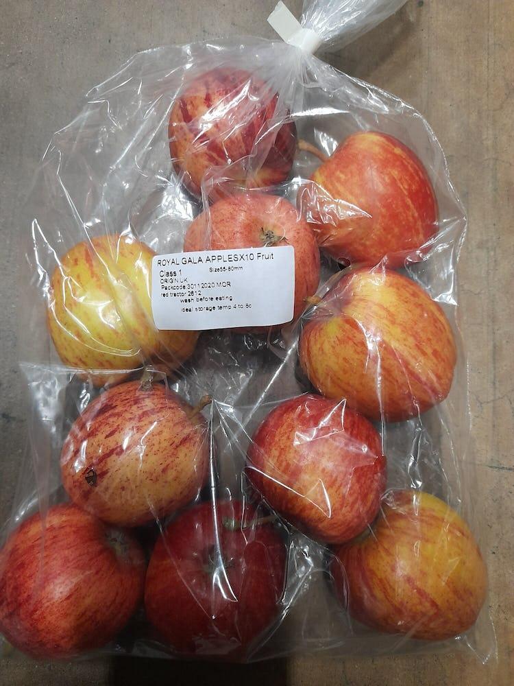 10 medium sized apple in a clear plastic bag
