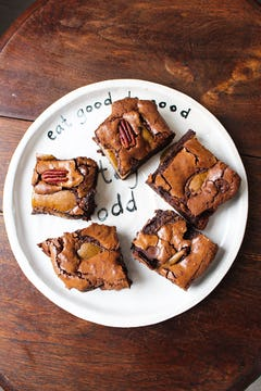 Pear and chocolate brownies in Oddbox plate!