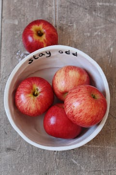 Image of apples in bowl